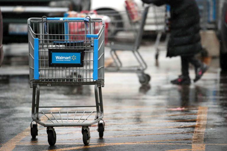 Acusan a WalMart de acoso y explotación laboral