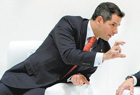 Advierte Murat colapso en salud