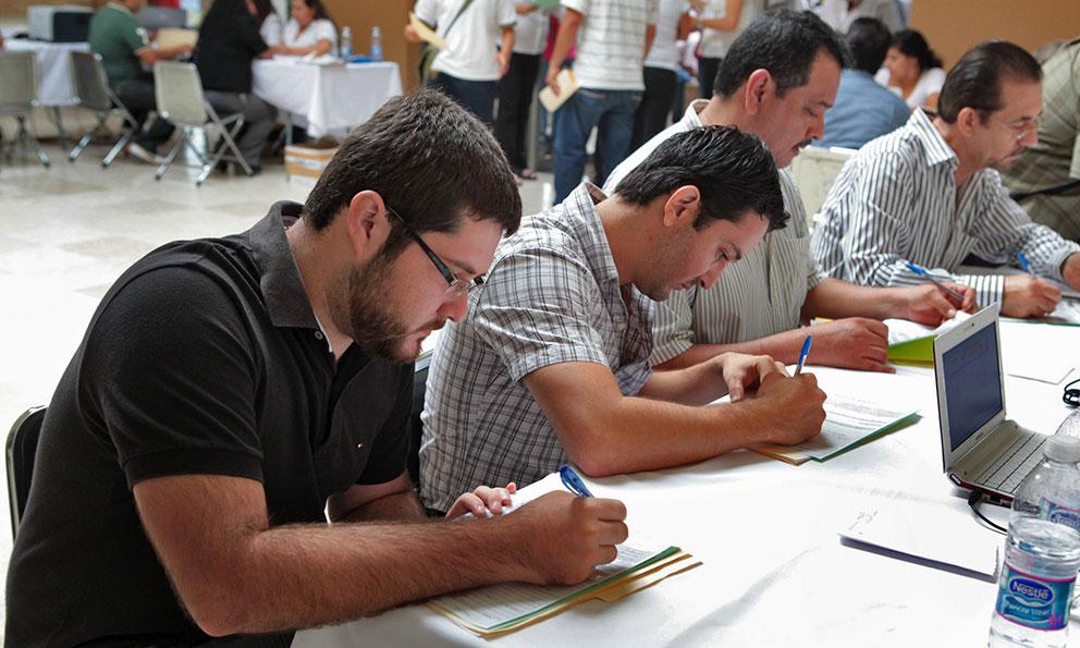 Anuncia 2 mil 500 vacantes en 'Pabellón del Empleo'