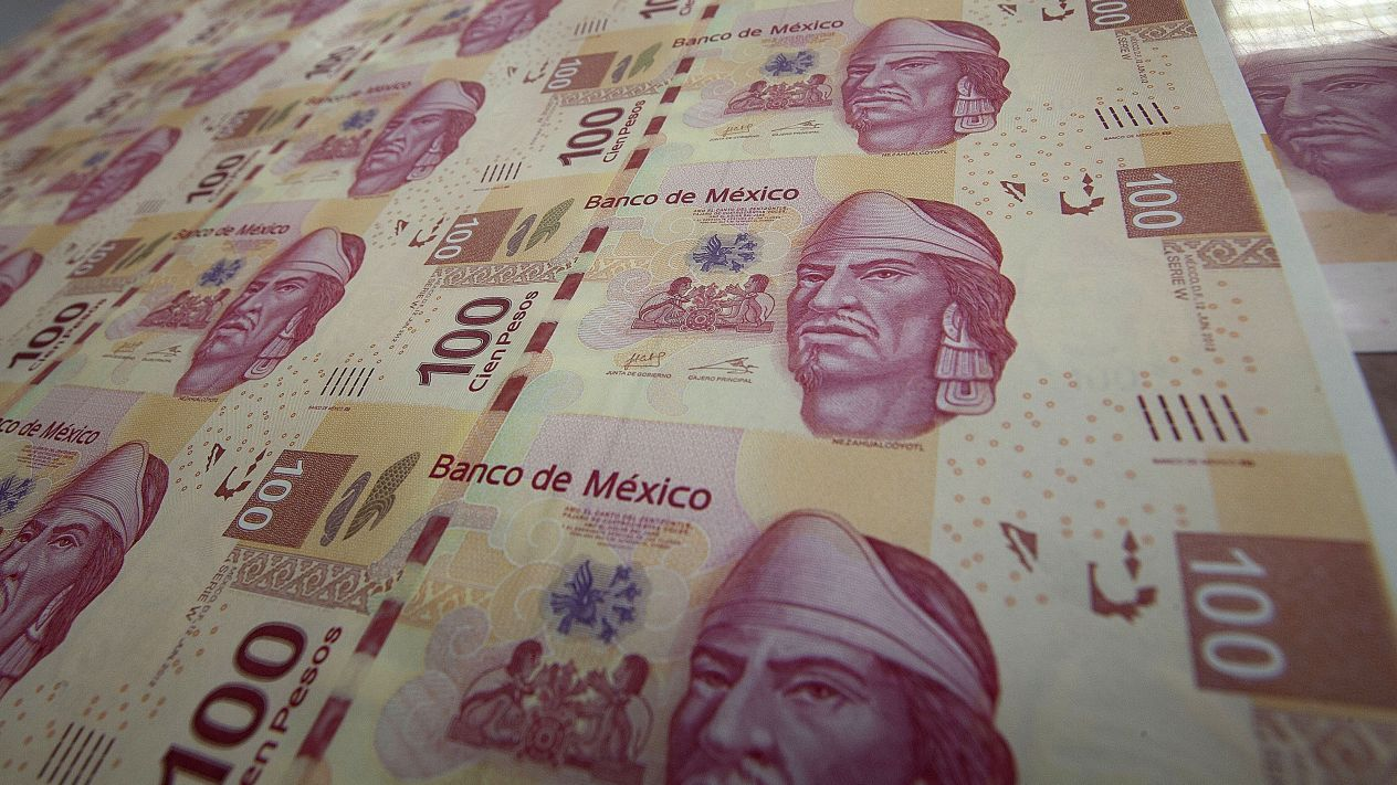 Aumento en salarios genera polémica al interior de Banxico