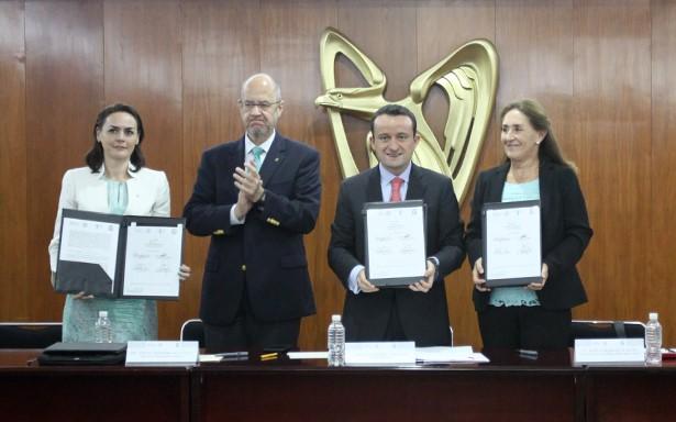 Capacitará IMSS a médicos en el extranjero