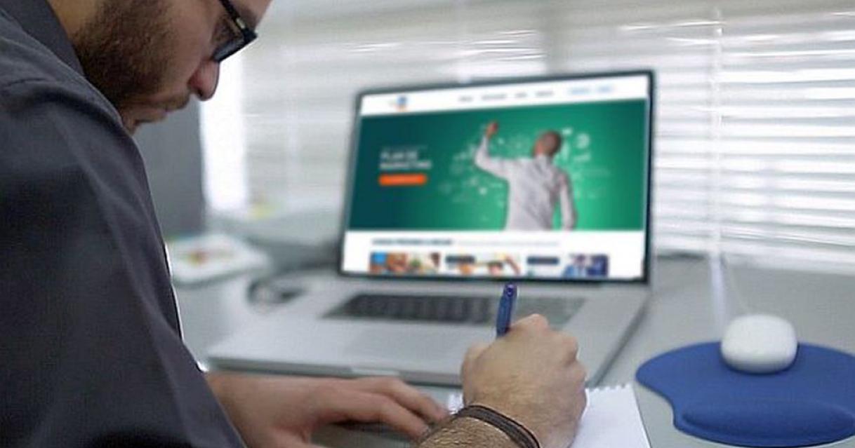 Capacítate en línea y obtén a cambio apoyo económico de la CDMX