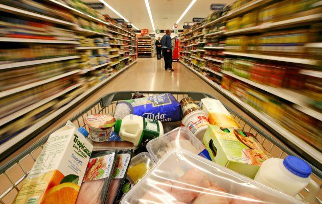 Carstens prepara su salida con inflación arriba de 6%