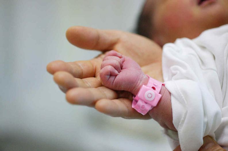 Certificado electrónico de ISSSTE protegerá derechos de recién nacido