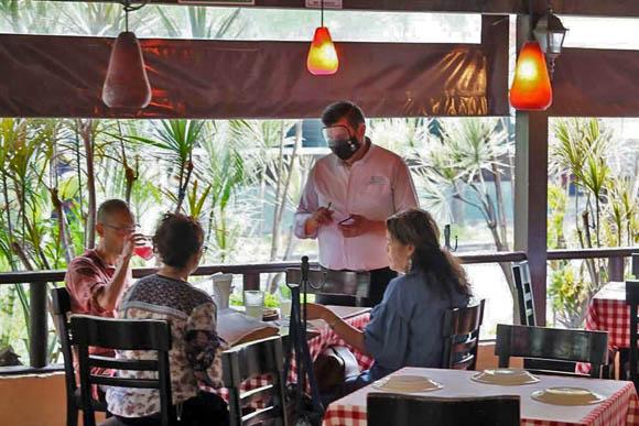 Complicará pandemia elevar salario en restaurantes