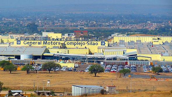 Conflicto sindical en GM podría provocar imposición de aranceles a la industria automotriz
