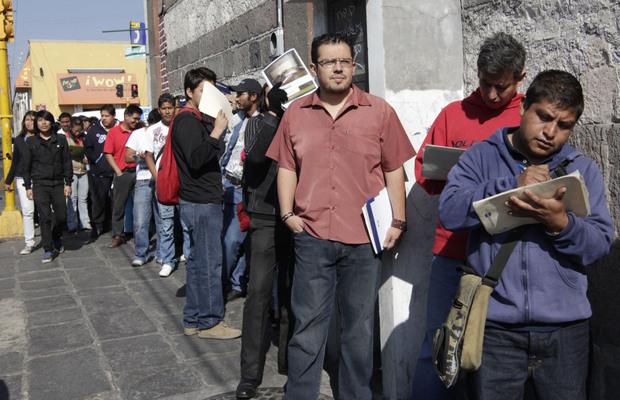 Creación de empleo vive su peor abril desde el 2012