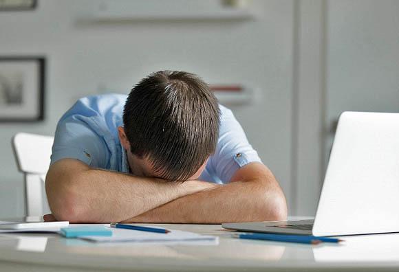 Cultura laboral tóxica: Tecnoestrés, cuando el jefe quiere respuestas 24/7