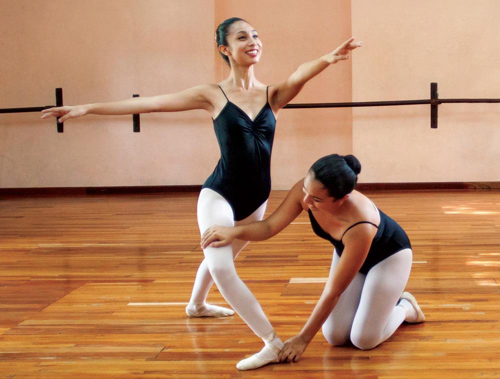 Demandan seguridad social bailarines y coreógrafos