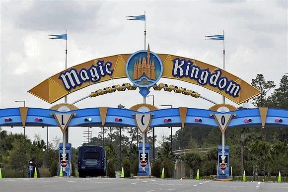 Despedirá Disney a 28 mil trabajadores en EU