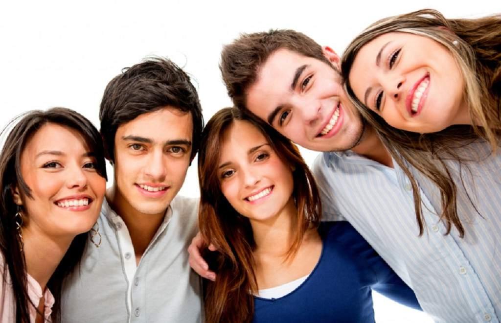 Empresas implementan estrategias para retener a millennials