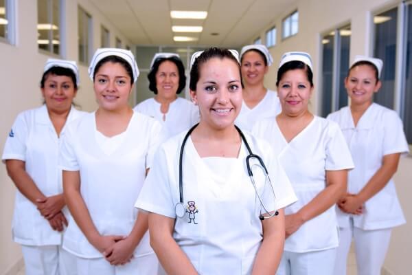 Enfermeras del sector salud accederán a programas sociales