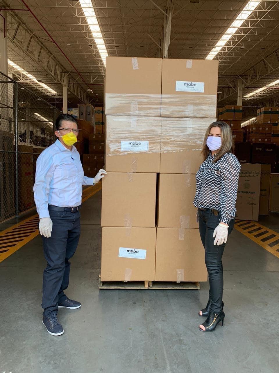 Entrega SNTSS 200 Aerosol Box para atención de pacientes Covid-19
