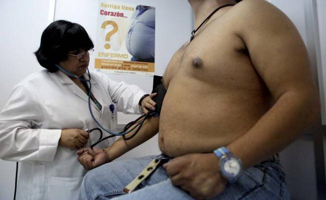 Especialistas conocen innovaciones para prevenir obesidad