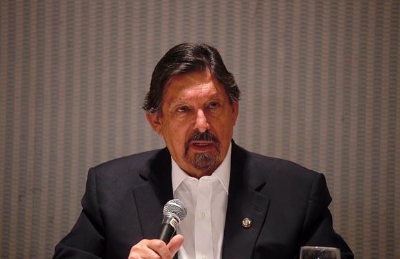 Evade el 'outsourcing' 500 mil mdp al fisco, dice Gómez Urrutia