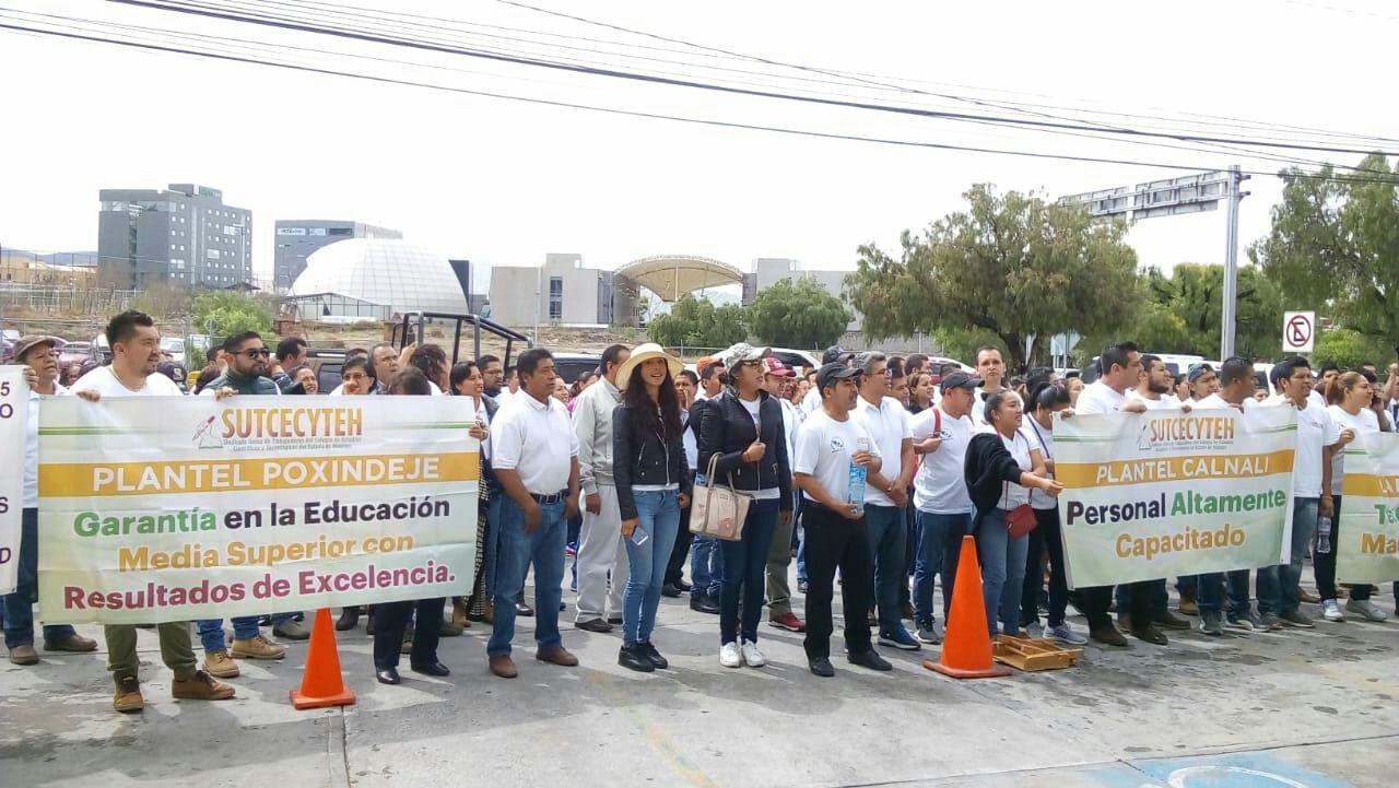 Exigen docentes que autoridades reconozcan creación de sindicato