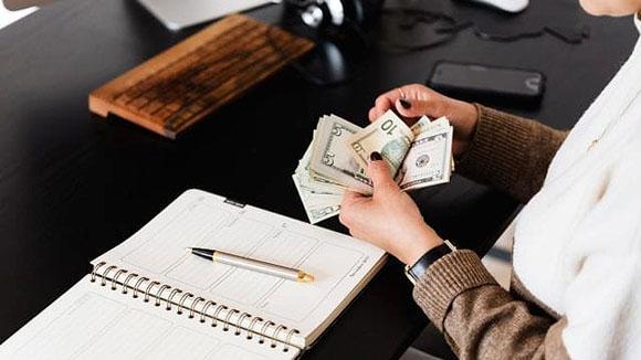 Ginebra aprobó salario mínimo de más de 4,000 dólares mensuales
