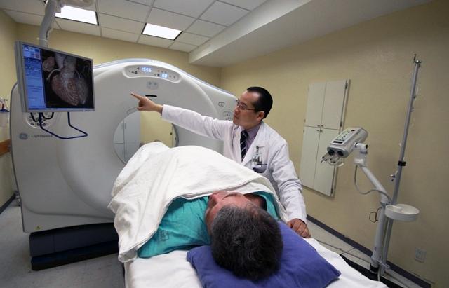 IMSS combate el cáncer con terapia molecular