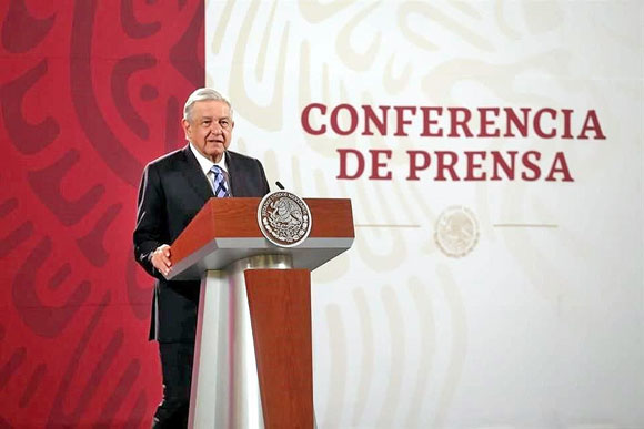 Infunde miedo a IP una mala lectura en outsourcing.- AMLO