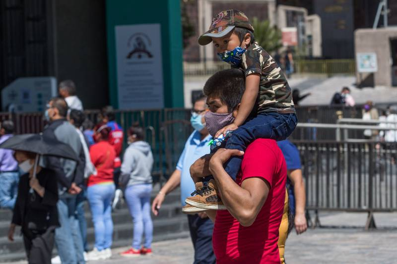 Licencia de paternidad con goce de sueldo, un derecho laboral que debes conocer