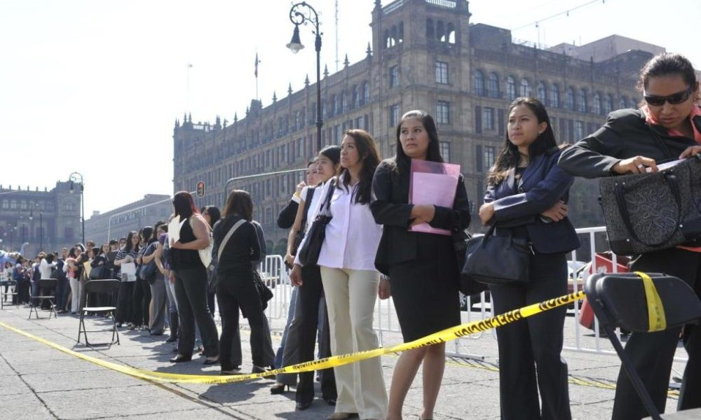 México registra déficit anual de medio millón de fuentes de trabajo