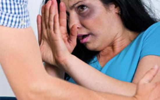 """Mil mujeres """"golpeadas"""" asisten al IMSS e ISSSTE... ¡al día!"""