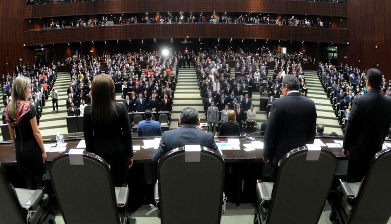 Morena ofrece a AMLO aprobar reformas en materia de austeridad antes de su toma de protesta
