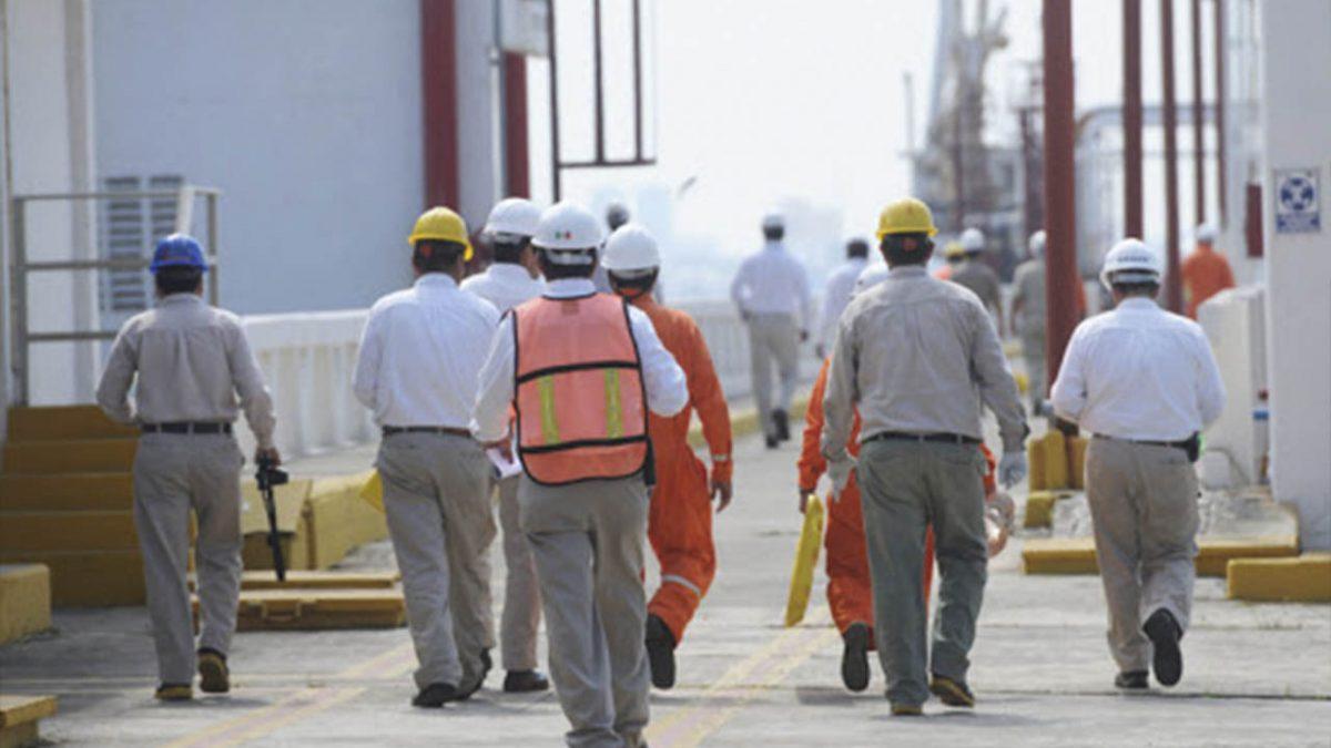 Mueren más trabajadores de Pemex por COVID-19 que enfermeras y enfermeros