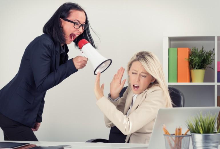 Neutraliza ambiente tóxico de oficina