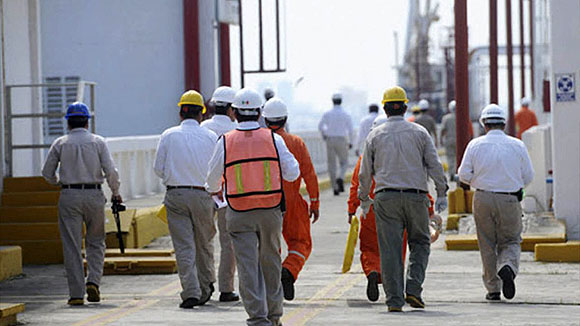 Pemex disminuye su plantilla en más de 1,400 trabajadores
