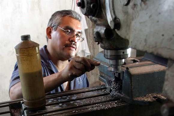Presenta PT iniciativa para eliminar todo el outsourcing