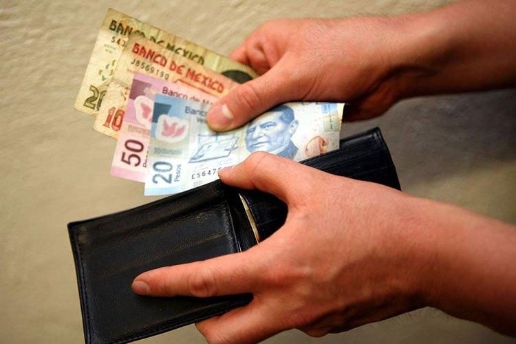 Priva el salario mínimo en un millón 437 mil hogares