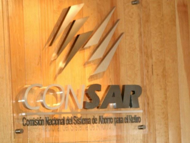Promotores inducen traspasos, dice Consar