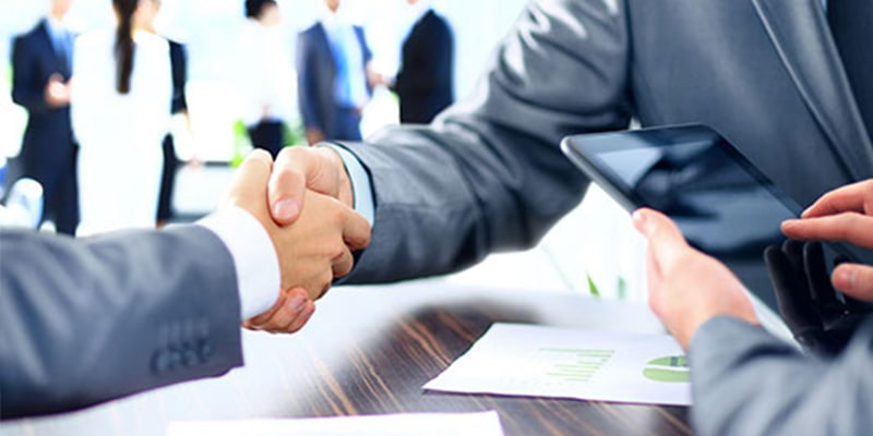 """¿Qué es la """"afirmativa ficta """"en el ámbito de la subcontratación?"""
