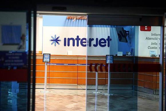 Quedan en vilo trabajadores de Interjet