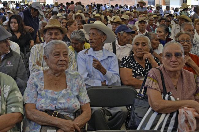 Retirados por afores:  pensión de $2,300 en promedio