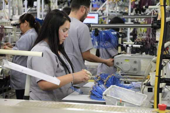 Salario aumentó 5.1%, pero por la baja de puestos de trabajo de menor ingreso