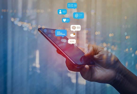 ¿Se pueden utilizar las redes sociales para mejorar las relaciones laborales?