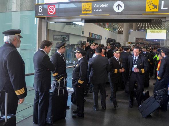 ¡Sí se pudo!... reducción de salarios, despidos y pilotos a su casa en Aeroméxico