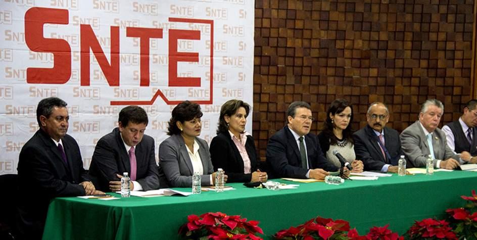 SNTE obtiene aumento salarial del 3.4%
