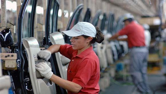 T-MEC incluye derechos de trabajadoras, pero faltan mecanismos en México para garantizarlos