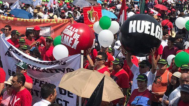 Telefonistas disidentes solicitan intervención de López Obrador