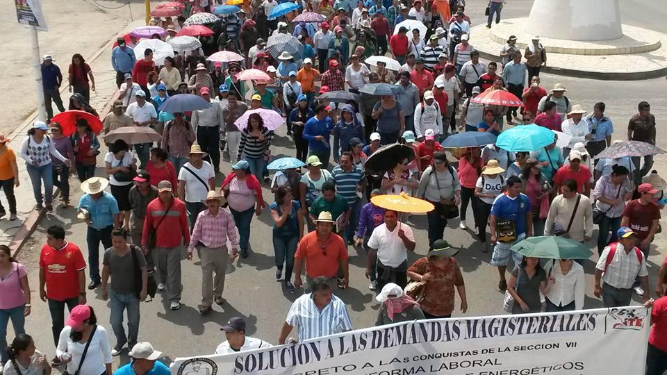 Tensión por segundo día de plantón de la CNTE en Chiapas