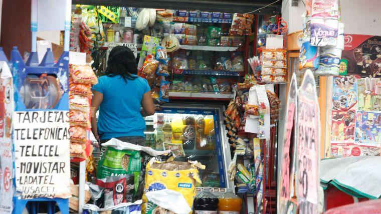 Tienditas y fonditas, los beneficiarios del 60% de los microcréditos