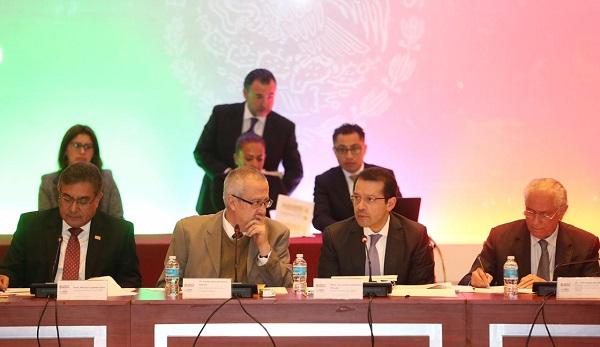 Titular del ISSSTE presenta plan para transformar a la institución