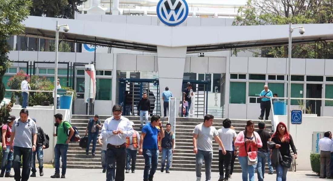 Volkswagen México acuerda con sindicato extender a enero negociación y evitar huelga